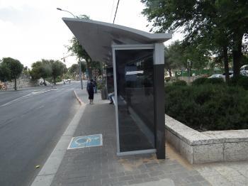 פרויקט הסעת המונים - הצבת סככות אוטובוס ושילוט אלקטרוני